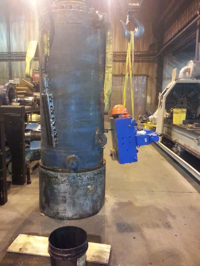 large hydraulic cylinder 2